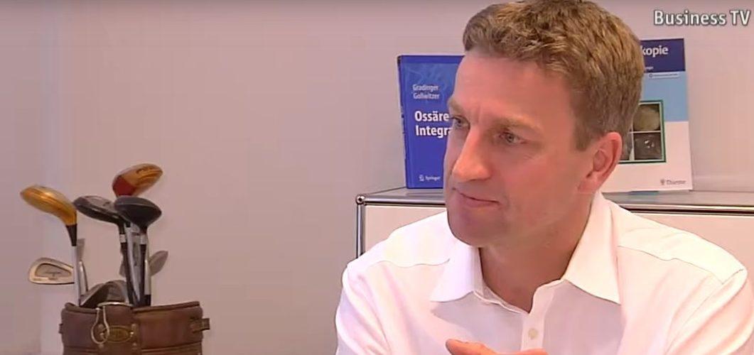 München.TV: Hüftgelenksersatz-OP